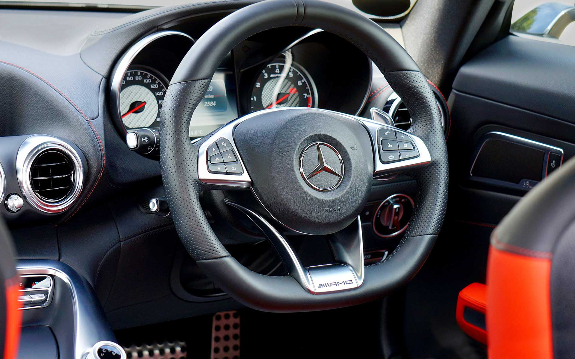 Merceds Benz Cockpit AMG Achat Voitures Suisse